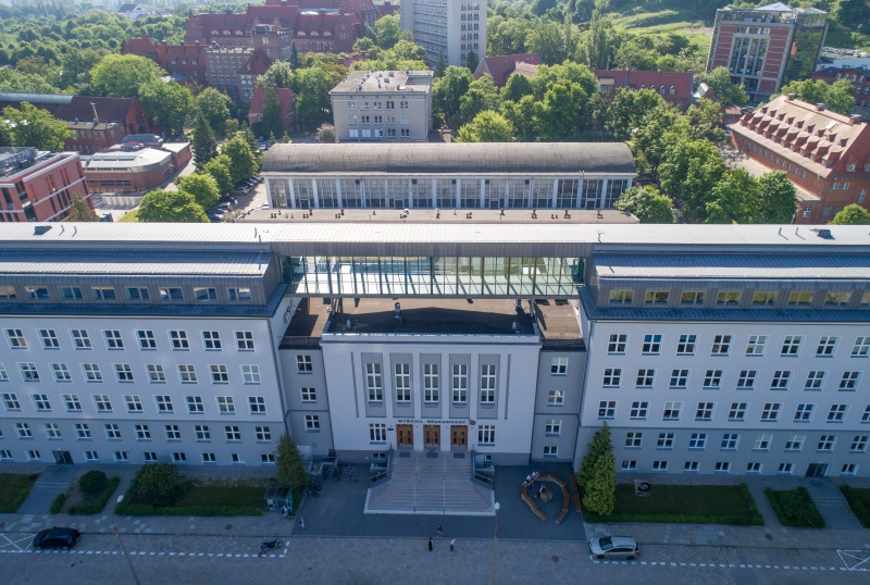 Aerial view of the Faculty of Mechanical Engineering building, courtesy of Krzysztof Deptuła / FlyPics.pl