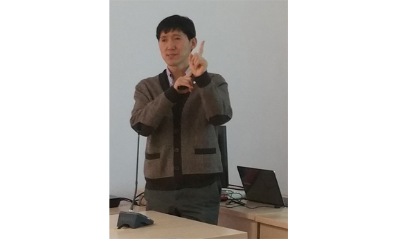 Professor Tuson Park from the University of Sungkyunkwan in Korea visited the Faculty of Technical Physics and Applied Mathematics