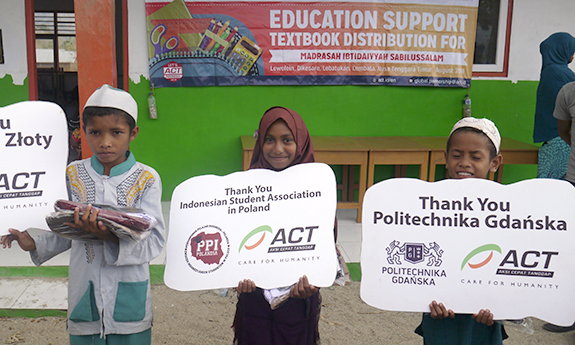 GUT Student Helps Building a School in Indonesia